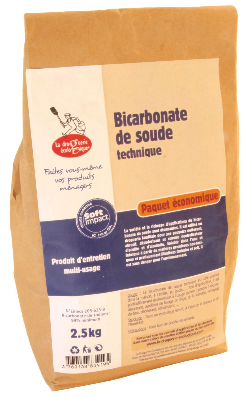 bicarbonate de soude pour nettoyer le pipi de chat sur laVieDesChats.com
