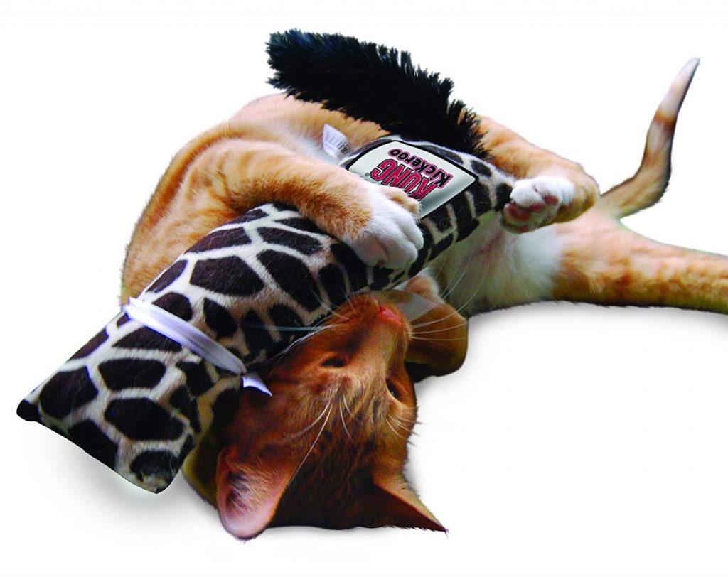 la girafe, un classique des cadeaux pour chat sur laVieDesChats.com