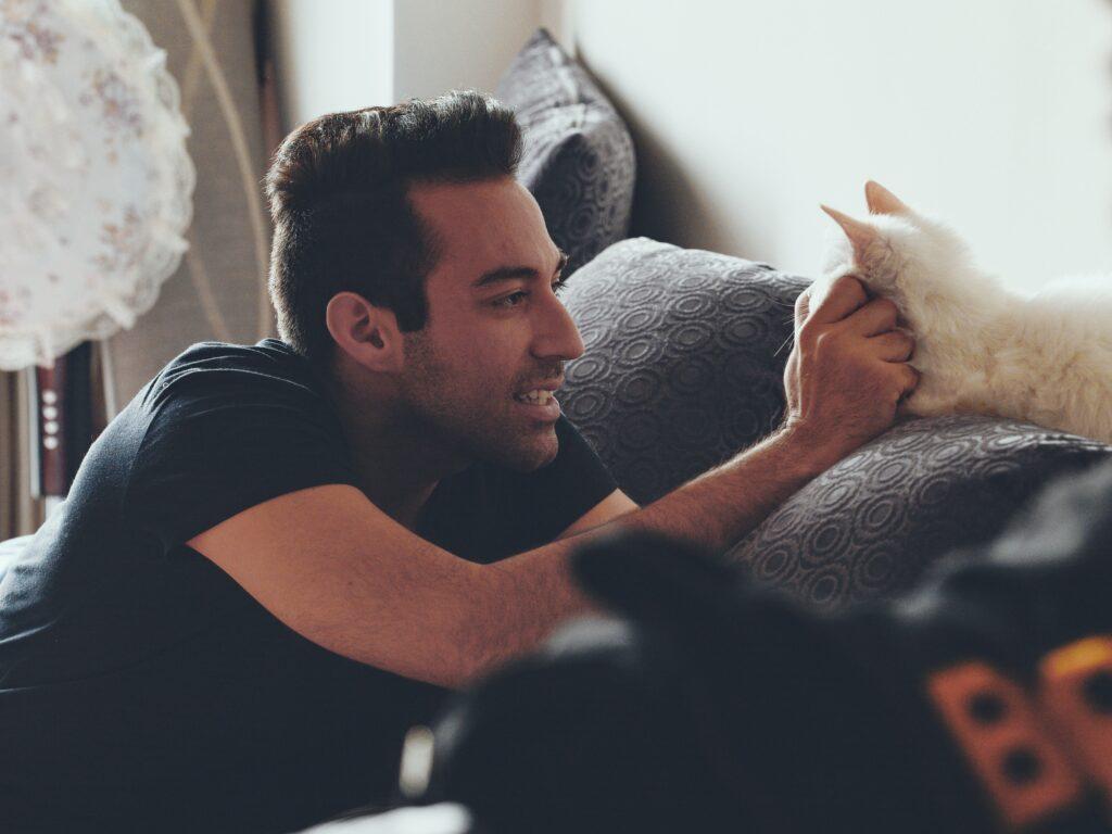 chat jaloux d'une personne ?